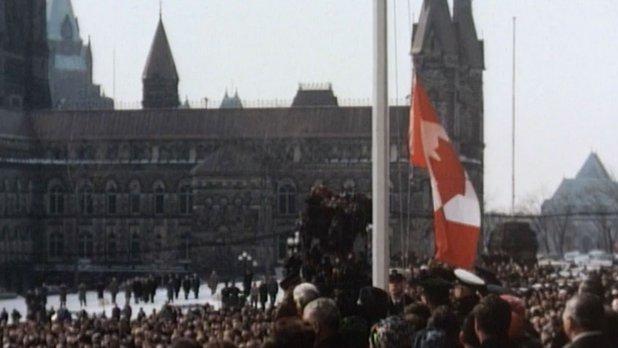 Le 15 février 1965 : la levée du nouveau drapeau canadien