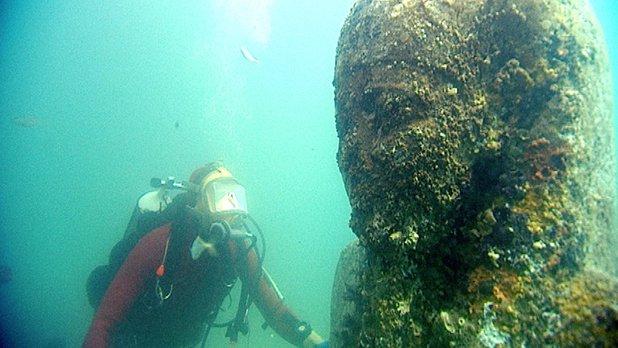 Mug of a Diver