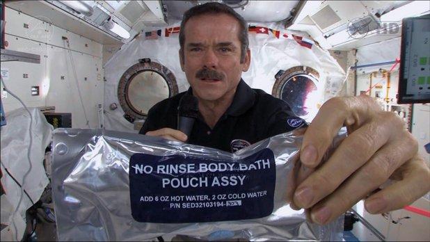École spatiale ONF - Santé - Leçon 5 - Chapitre 3 - L'hygiène personnelle dans l'espace