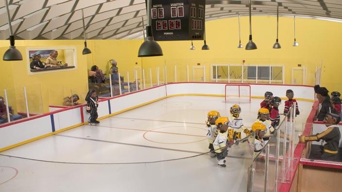 Wapos Bay: There's No 'I' in Hockey